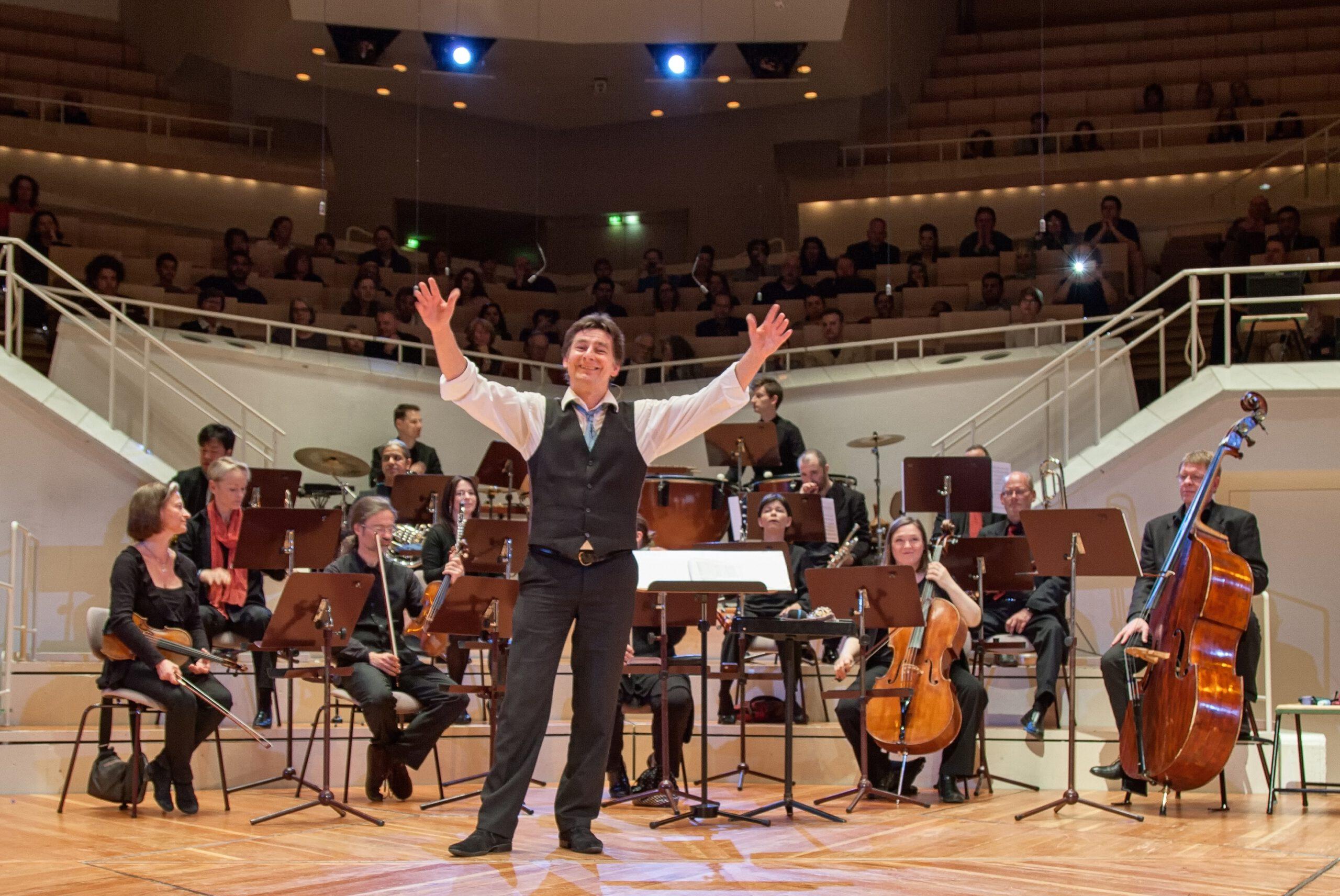 CORONA SYMPHONY  -   Sonderkonzert mit aktueller Uraufführung!
